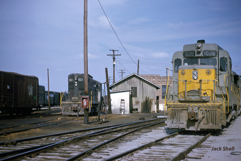 L&N at Service Area, Gentilly Yard - Early 1960s